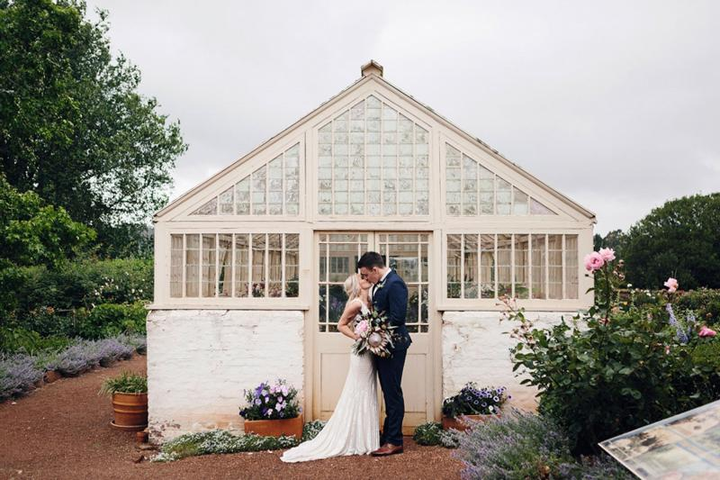 Real bride Rachael wore the Luxe Fontanne wedding dress by Karen Willis Holmes.