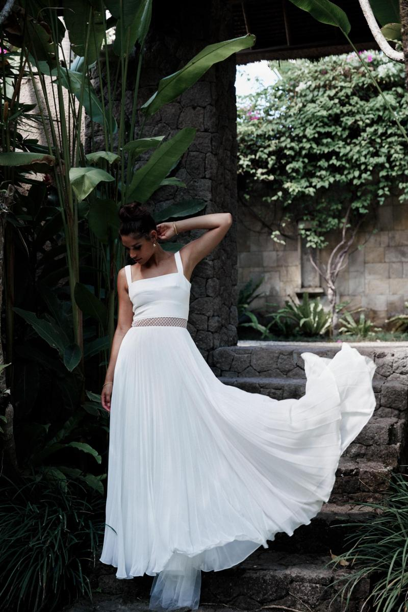 The Daisy gown by Karen Willis Holmes, simple chiffon wedding dress with square neckline.