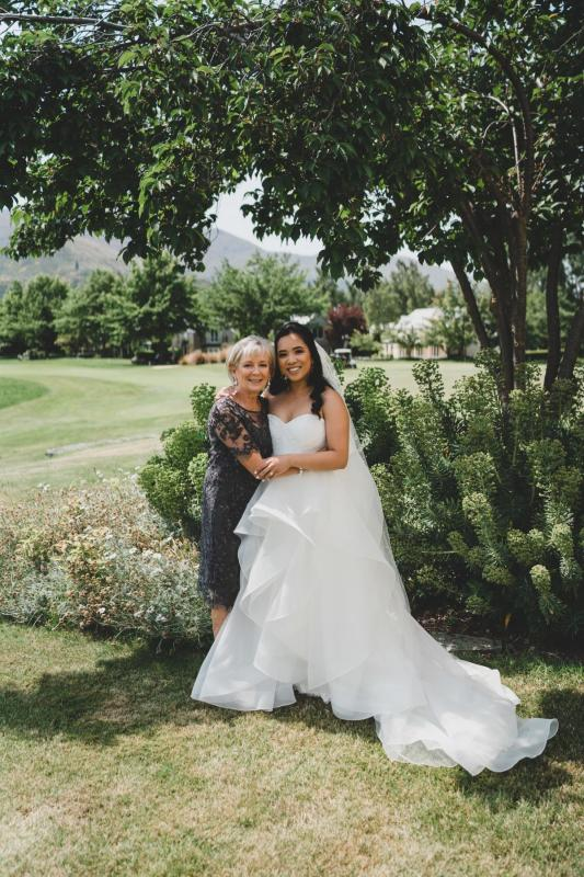 Real bride Jessica wore the Wild Hearts Greta wedding dress by Karen Willis Holmes.