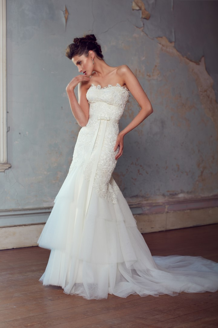 The Jillian gown by Karen Willis Holmes, lace and tulle mermaid wedding dress