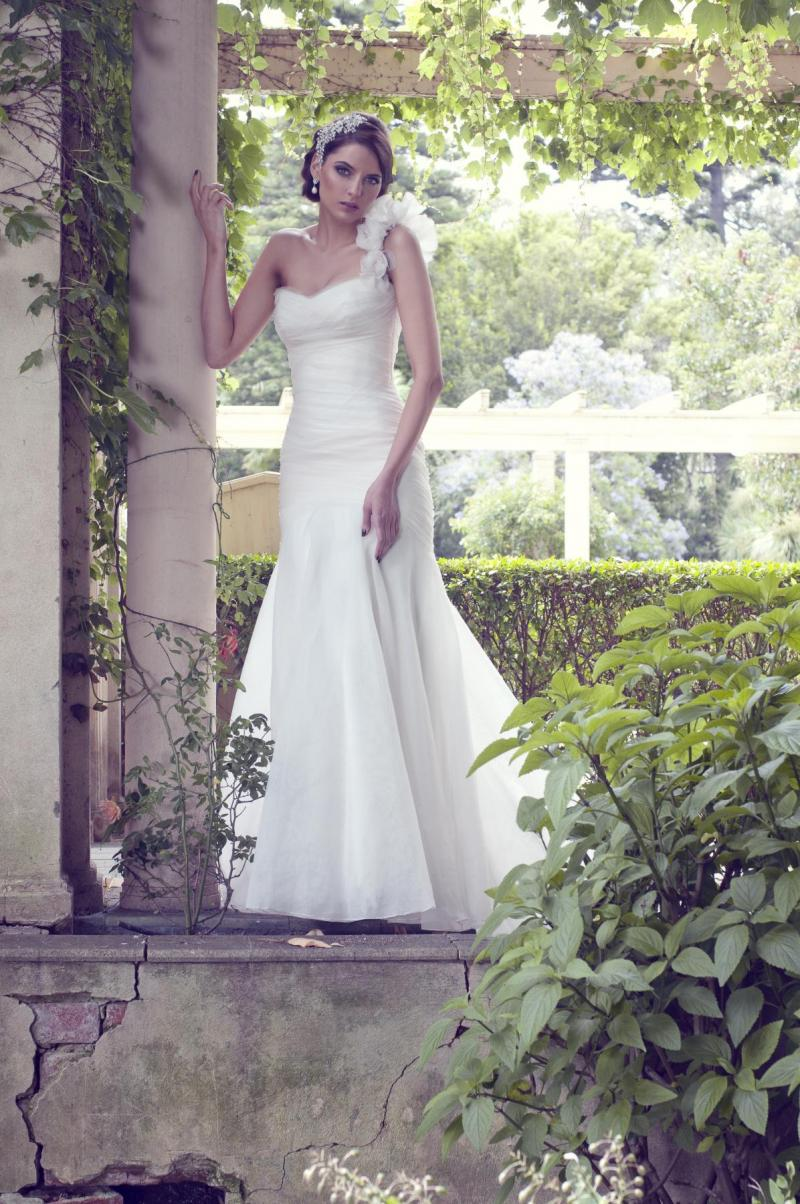 The Katherine by Karen Willis Holmes, strapless simple wedding dress with mermaid shape