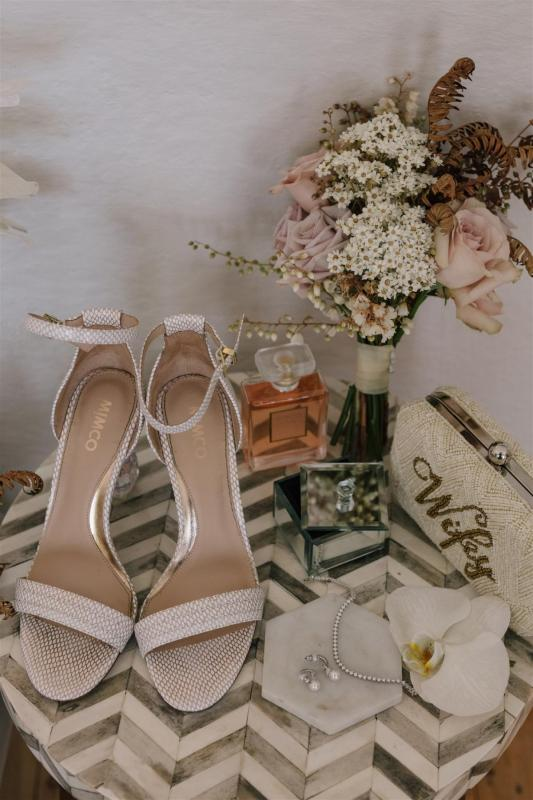 Real bride accessories for KWH bride Marianne; nude heels and feminine bouquet for wedding day.